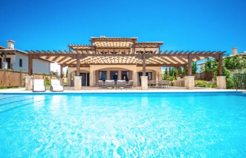 Aenea Grand Villa