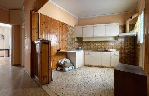 ΠΩΛΕΙΤΑΙ γωνιακό διαμέρισμα