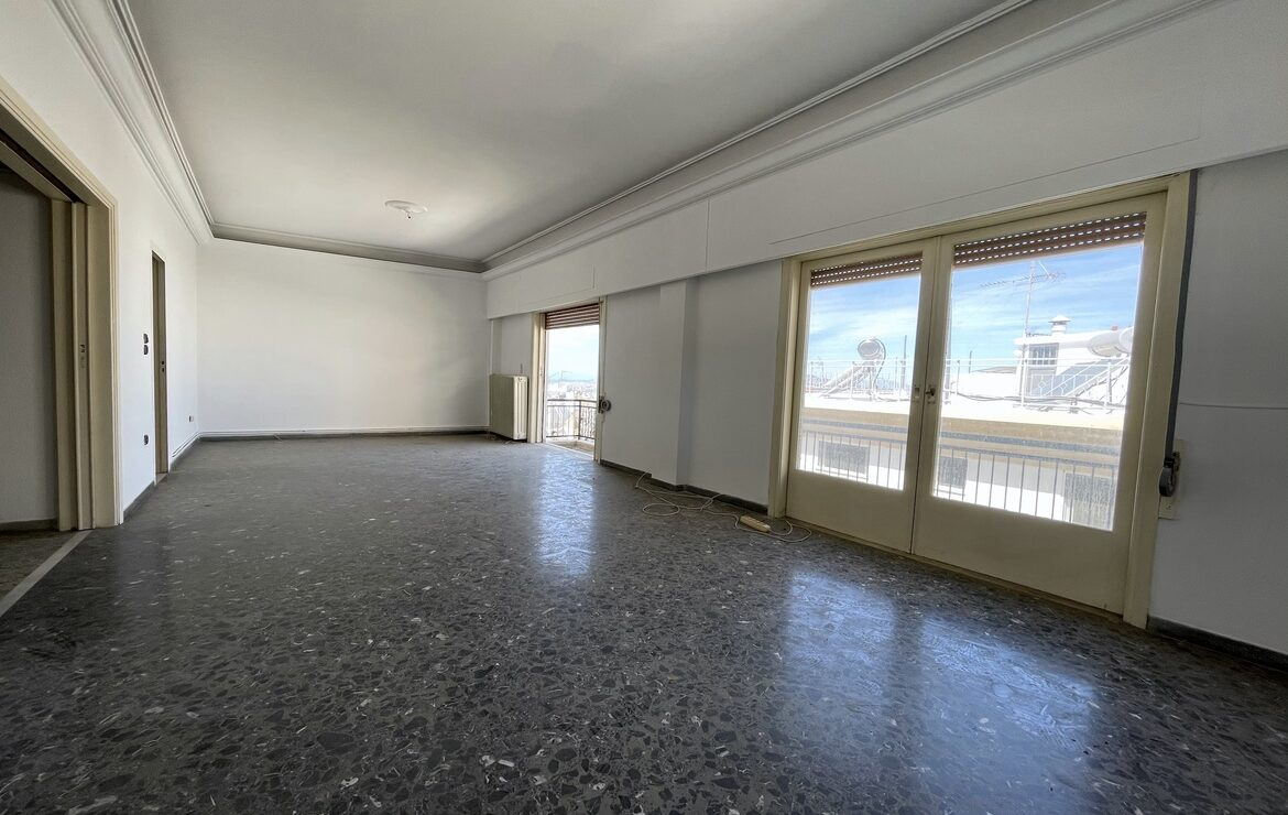 Building of 300sq.m  for sale