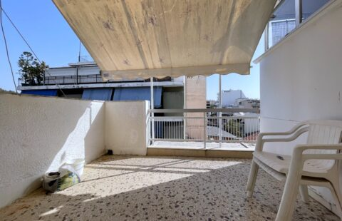 4th-Floor Apartment for sale
